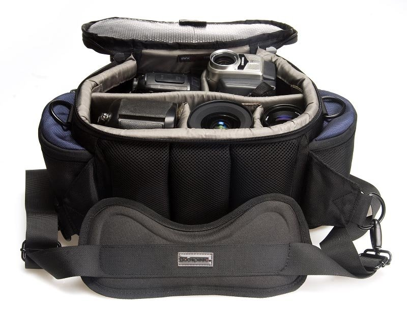 http://prootech.com/image/data/New%20Product%20image%202011/Bag/Pro%20Godspeed%20SY-510L%20Waist%20Pack%20Camera%20Bag%20(Grey)/camera_bag_SY510_Perfect_belt_pack%20(1).jpg